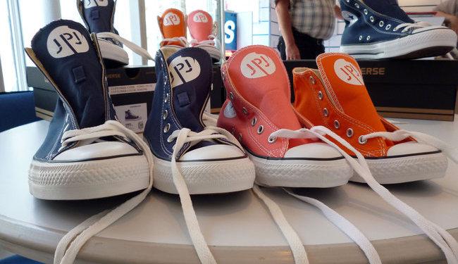 Vinyle de découpe spécifique textile, blanc Flocage sur chaussures Signarama Versailles