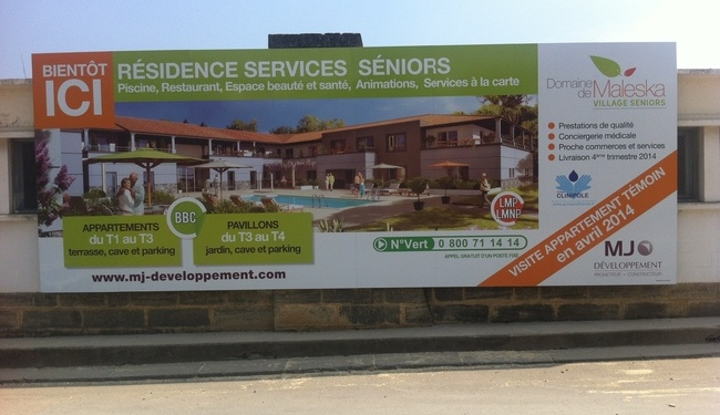 Panneaux de chantiers. Panneaux publicitaires 4x3. Impression num�rique. Signarama Montpellier.