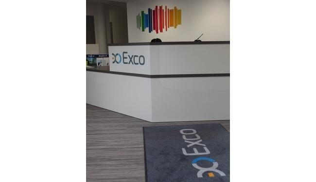 Signal�tique d'accueil avec un tapis aux couleurs de votre entreprise. Toutes dimensions possibles.