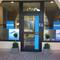 Décoration de vitrine réalisé avec une impression numérique polymère et un lettrage vinyle pour beauty inside