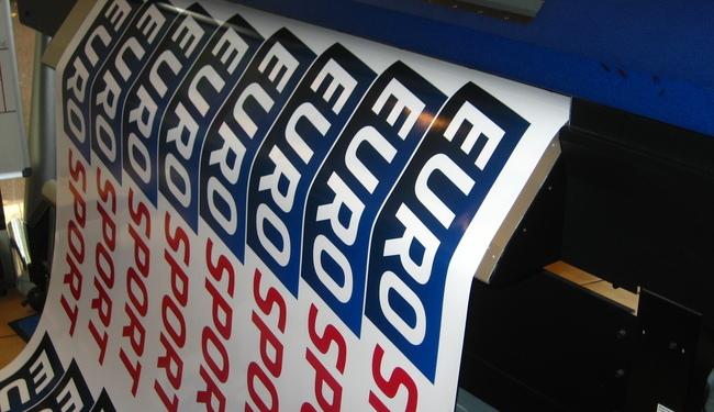 Stickers evenementiels imression quadri numerique Signarama Issy les Moulineaux